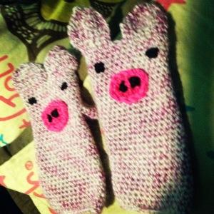 Piggy fingerless Gloves $20
